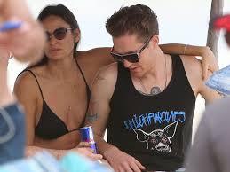 Demi Moore s'affiche avec Sean Friday (27ans) sur une plage au Mexique