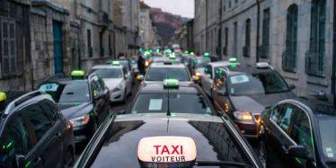 les taxis persistent leur tentative de blocage