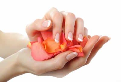 soin naturel pour les mains sèches etabimées
