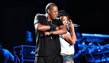 Beyonce et son mari mettent la vie privée de côté sur scène