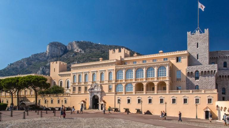 Un an dans les secrets du palais princier de Monaco : Voir le nouveau reportage de Zone Interdite