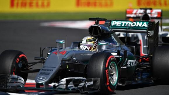 Victoire de Lewis Hamilton et classement en faveur de Nico Rosberg : La F1 peut encore réserver des surprises au GP du Brésil