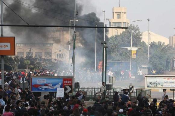 Affrontements entre police et manifestants au Caire en Egypte