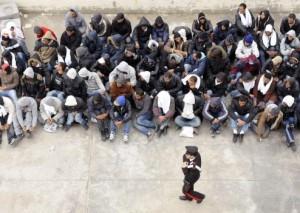 Des militants des droits de l'homme étaient mobilisés pour aider ces migrants tunisiens à rejoindre leur famille en France