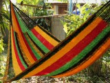 V Weave hammock – Rasta New