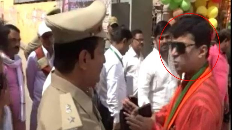 BJP MLA threatens Superintendent of Police in Allahabad