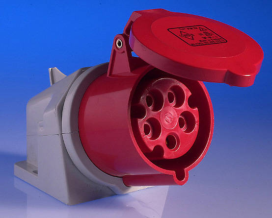 415v 32 Amp 5 Pin Wall Socket  Red
