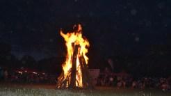 Foc de tabară la evenimentul mountain bike în comuna Greci. FOTO Tlnews.ro