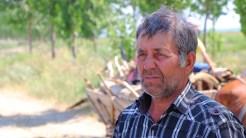 Sandu Gavrilă, crescător de animale din Luncavița. FOTO Adrian Boioglu