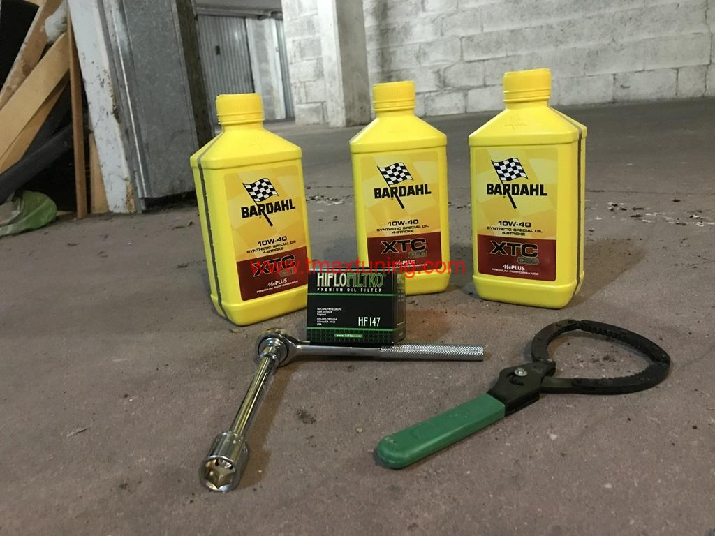 Cambio olio T Max 530 20122016