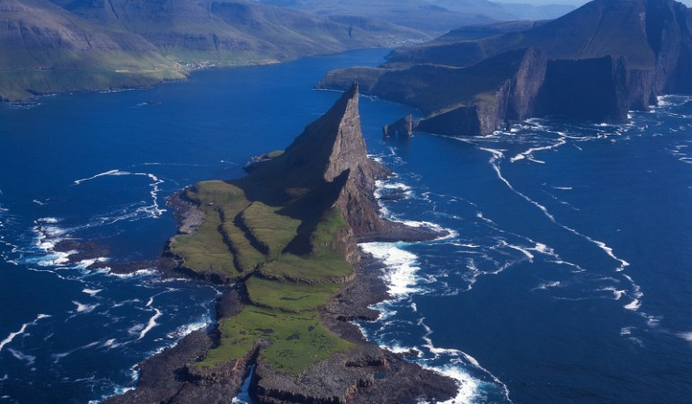 Aerial view of Tindhólmur ©Visit Faroe Islands