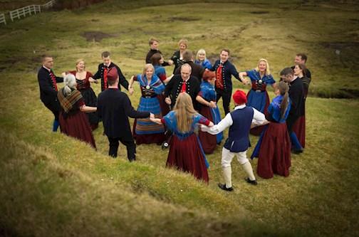 Faroese dance @www.faroeislands.fo, Føroya landsstýri
