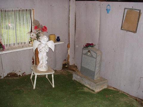 Whistman Cox Carroll Gravehouses Eastern Kentucky
