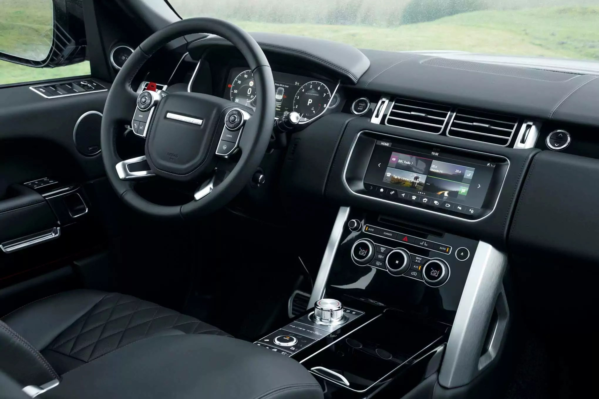 Range Rover SVAutobiography takes on Bentley Bentayga Battle for