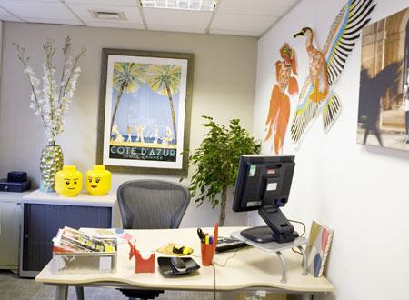Pimp your office: Best ways to decorate a work place