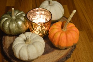 The finished DIY Pumpkins with a tealight give off the perfect Autumn glow.
