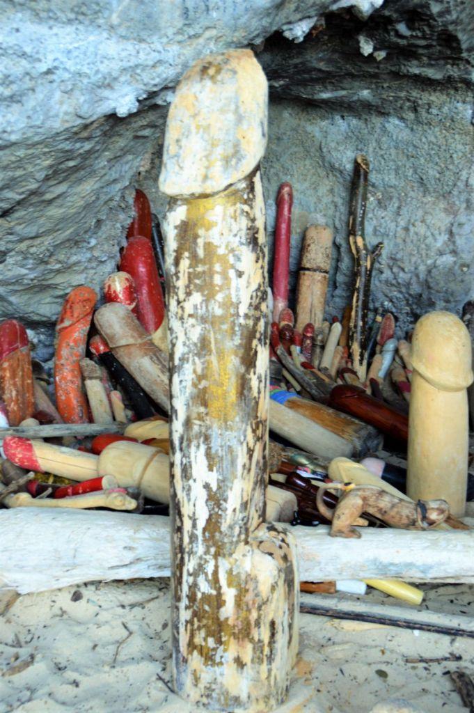 Tempel Grotte am  Railay Beach