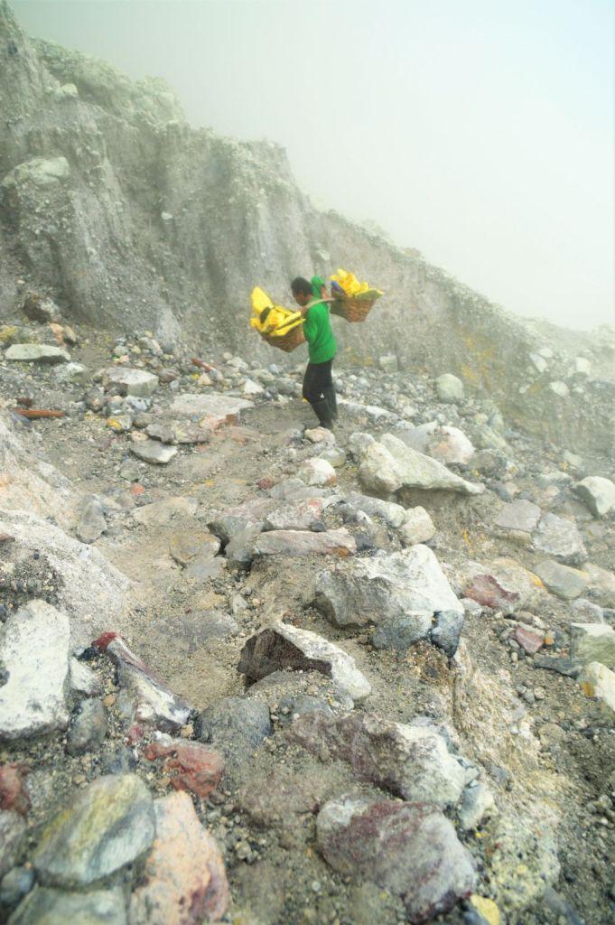 Mount Ijen - Minenarbeiter