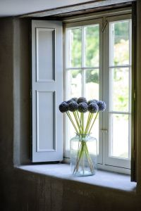 11 ways to decorate a window space for Summer! - Toby and Roo