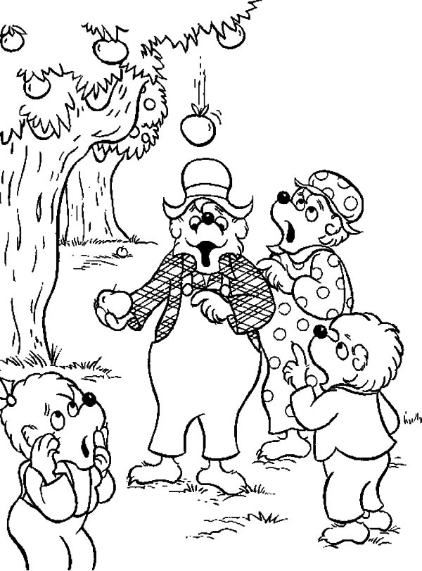 Berenstain Bear Family Harvesting Apple Coloring Pages