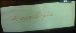 Dalla fiction Rai A fari spenti nella notte la busta che contiene la lettera di addio.