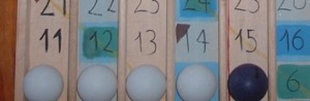 4 bianche e 1 pallina colorata
