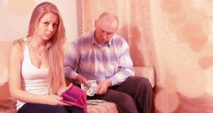La falta de independencia económica por ser madre a tiempo completo