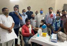 Camp to install Corona vaccine was organized in Shri Sankat Mochan Hanuman Mandal Kali Dham