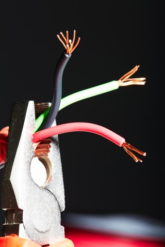 220v plug wiring diagram single line why are electric wires color coded the way they are?