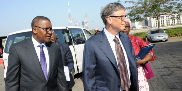 Bill Gates in Nigeria, hosted to dinner by Buhari