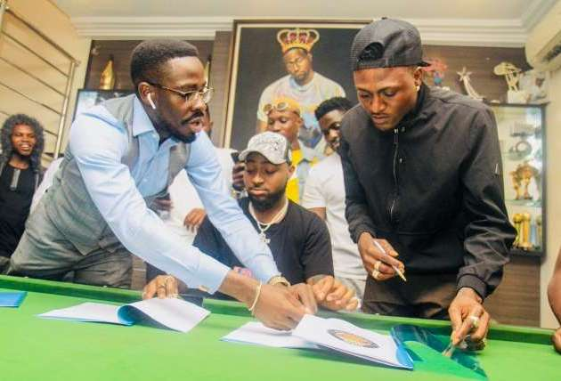 Omo Shepeteri crooner, Idowest signs for DMW