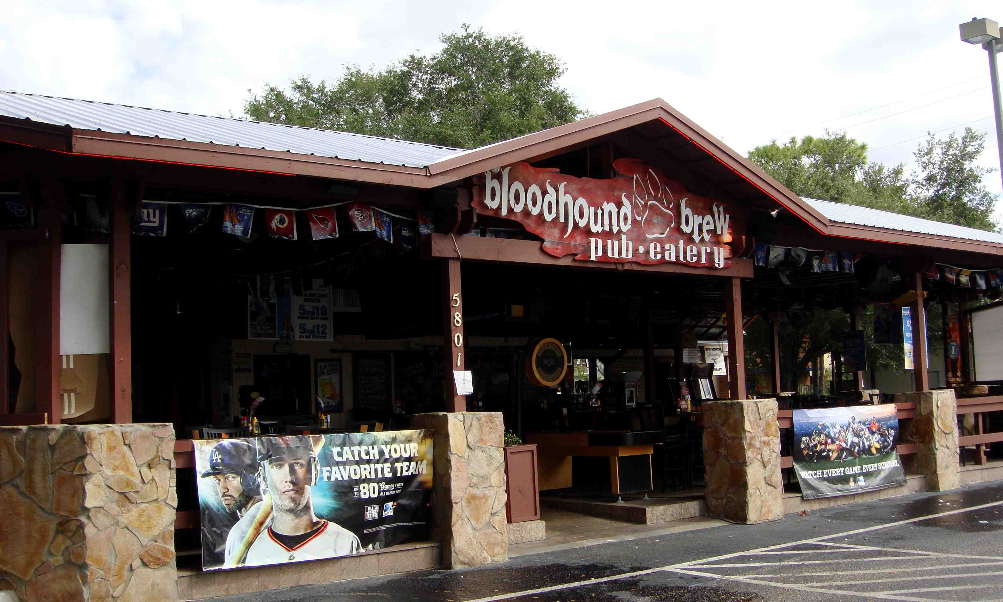 Bloodhound Brew Pub & Eatery | Today's Orlando