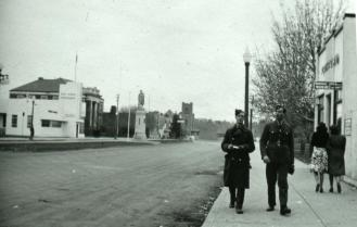 Cenotaph 1943 Red Deer Archives S2282
