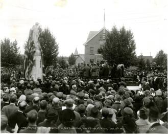 Unveiling of Cenotaph, September 15, 1922, Red Deer Archives P2700