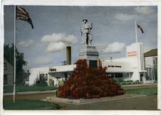 Cenotaph c. 1950 Red Deer Archives P3280