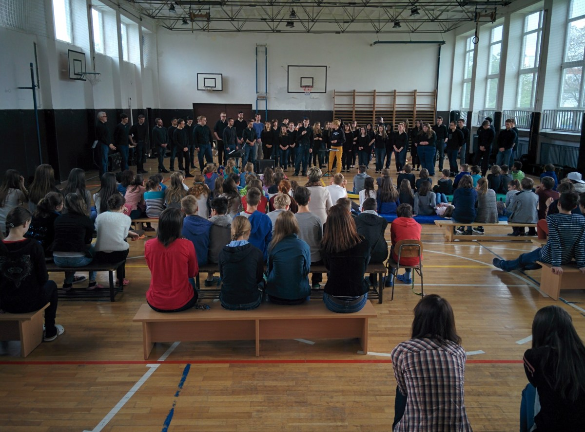Trinity College Concert Choir and Symphonic Band Visits Banská Bystrica and ZŠ Narnia