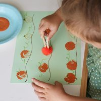 Pom-Pom Pumpkin Stamping Activity (VIDEO)