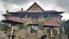 Interesting house behind restaurant