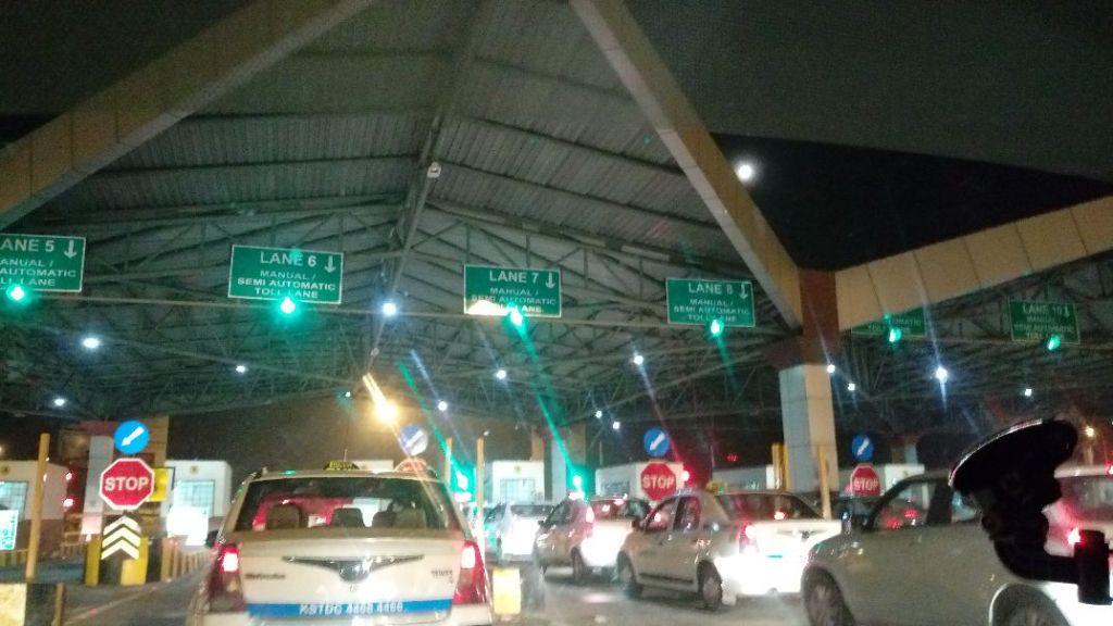 班加羅爾機場高速公路收費站