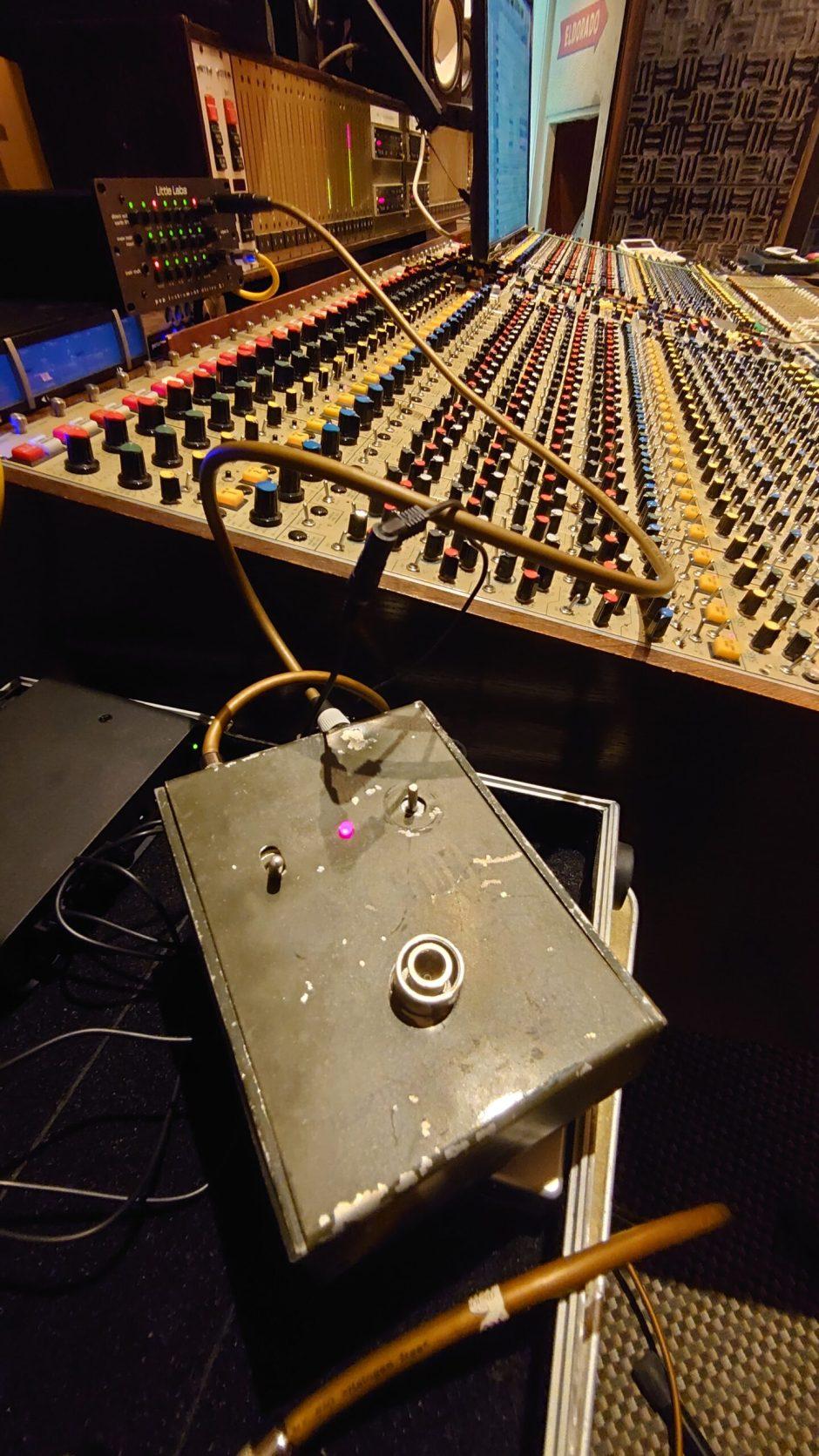 Small Stone mit Mischpult im New Sound Studio