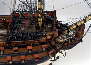 Vista del castillo de proa del modelo de arsenal del navío Santísima Trinidad, del Museo Naval de Madrid.