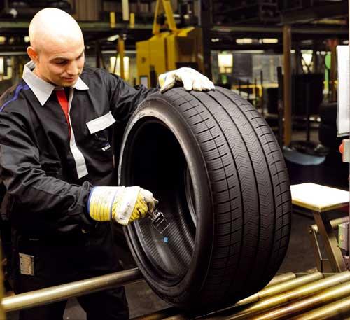 Prototipo de neumático hecho con caucho europeo