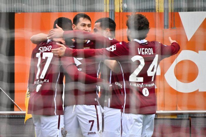 Atlético y Sevilla compiten por un lateral diestro según Estadio Deportivo