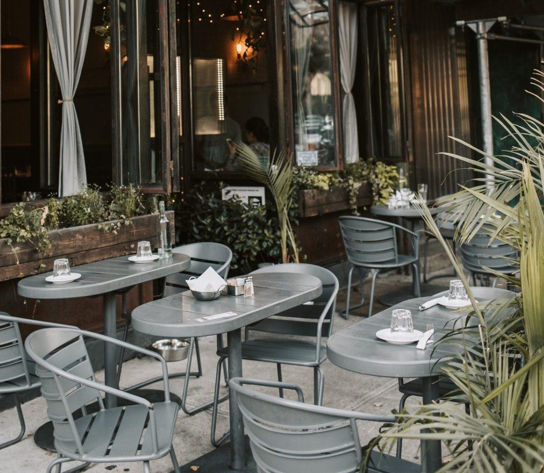 outdoor patio dining in calgary
