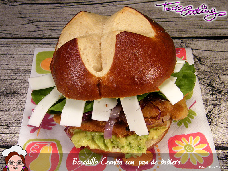 Cemita con pan de baviera - recetas de cocina mexicana