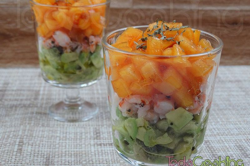 Tartar de langostinos, aguacate y kaki persimón