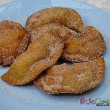 Empanadillas dulces rellenas de flan