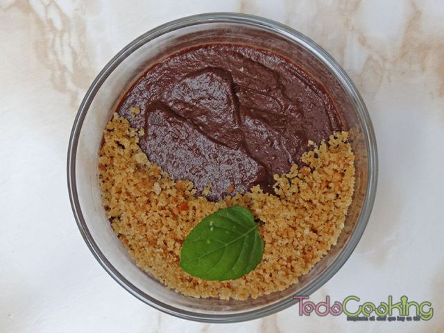 Mousse de chocolate y aguacate