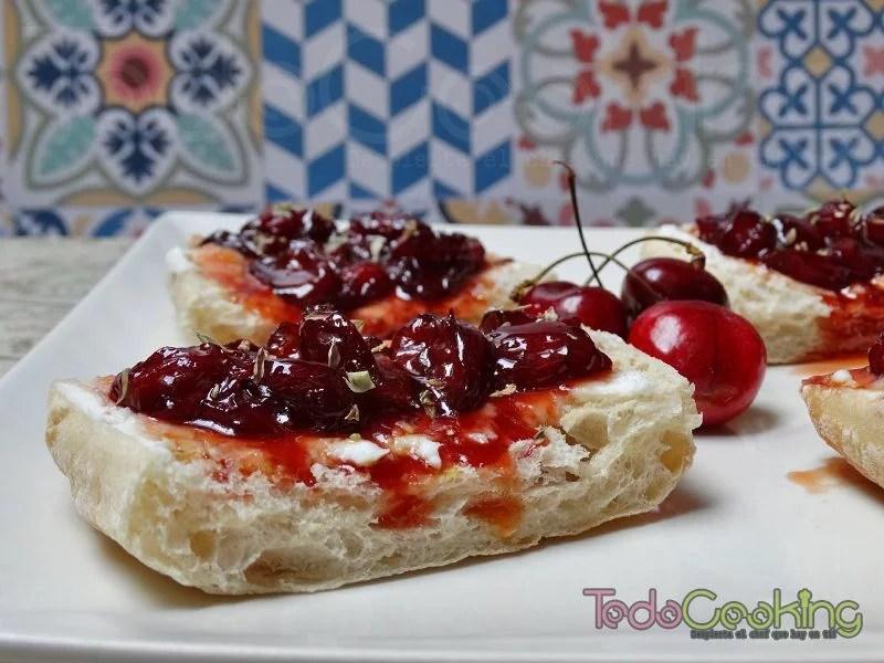 Tostas de cerezas con queso de cabra 05