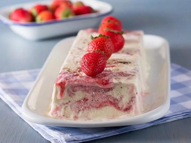 Recetas de helados y polos caseros. biscuit helado de cheesecake de fresa
